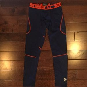 Boys sz L UA fitted leggings